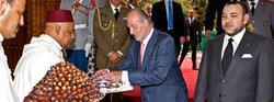 El Rey, junto al monarca marroquí en una foto de Archivo