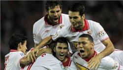 El Sevilla celebra su primer gol. | EFE