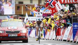 Christophe Riblon celebra su victoria en Alpe d'Huez.   Cordon Press