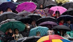 La lluvia hace acto de presencia en Roland Garros. | Cordon Press