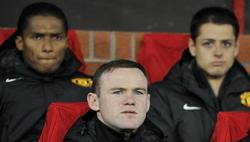 Wayne Rooney (c), en el banquillo de los suplentes ante el Real Madrid. | Cordon Press