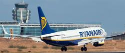 Avión de Ryanair en un aeropuerto español. | Archivo