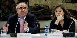 Benigno Pendás y Soraya Sáenz de Santamaría   EFE