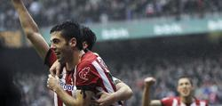 Susaeta celebra su primer gol.   EFE