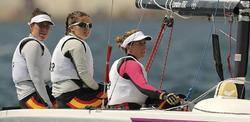 Las españolas en su embarcación tipo Elliott 6. | EFE