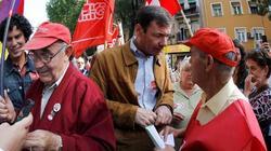Tomás Gómez, de manifestaciòn, este domingo. | EFE
