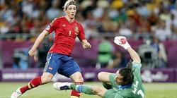 Fernando Torres bate a Buffon en la final de la última Eurocopa. | Archivo