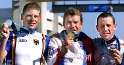 Lance Armstrong, en el podio de Sydney 2000 junto a Ullrich y Ekimov (c). | Cordon Press/Archivo