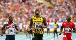 Usain Bolt cruza la meta en la prueba de 4x100. | EFE
