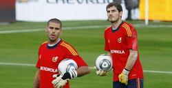 Víctor Valdés e Iker Casillas, durante un entrenamiento de la selección española. | Archivo