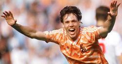 Van Basten celebra el considerado mejor gol de la historia de la Eurocopa.