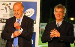 Del Bosque junto a Ángel María Villar. | Cordon Press