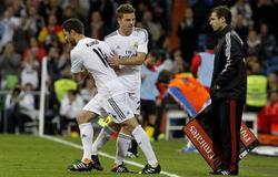Alonso entra en sustitución de Illarra. | EFE