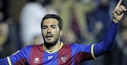 Xavi Torres celebra el segundo tanto del Levante.   EFE