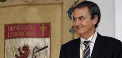 El expresidente del Gobierno con su medalla | EFE