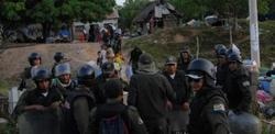 La Policía boliviana utilizó la fuerza para detener la marcha de indígenas. | EFE