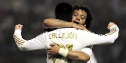 Callejón celebra su gol junto a Marcelo.   EFE