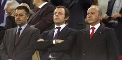 Del Nido junto a Rosell y Bartomeu en el palco. | EFE