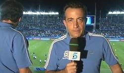 JJ Santos, narrando un partido. | Archivo