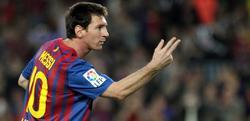 Messi celebra uno de sus goles ante el Mallorca.   EFE