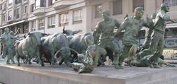 Monumento al Encierro, en Pamplona.