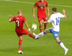 La polémica acción entre Lulic y Pepe.