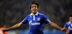 Raúl celebra uno de los tres tantos logrados ante el Werder Bremen. | EFE