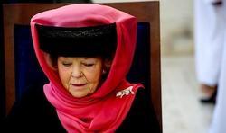 La Reina Beatriz con el velo | EFE