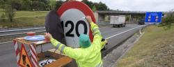 Otra vez con prisas para cambiar las señales   EFE