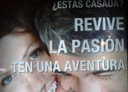 El cartel se puede ver en cualquier ciudad española.