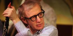 Woody Allen en una actuación en 2006 en Nueva York. | Colin Swan, cc-by-sa-2.0