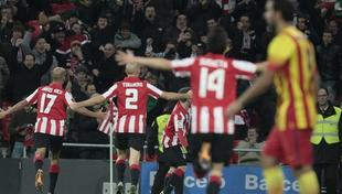Los jugadores del Athletic celebran el gol ante el Barcelona. | EFE