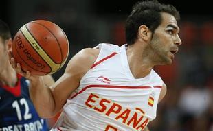 Calderón resultó decisivo con seis puntos en el último minuto.   EFE