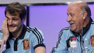 Iker Casillas y Vicente del Bosque. | Archivo
