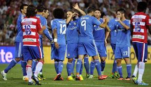 Los jugadores del Real Madrid celebran el gol de Benzema. | EFE