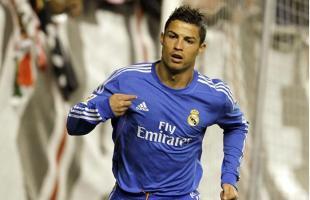Cristiano ronaldo celebra uno de sus goles ante el Rayo Vallecano. | EFE