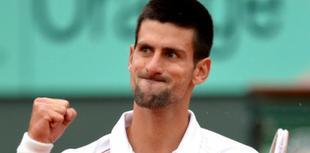 Novak Djokovic celebra su victoria. | EFE