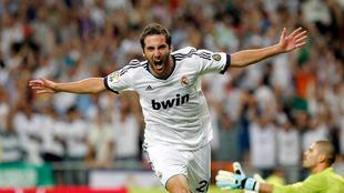 Gonzalo Higuaín celebra un gol ante el Barça.   Archivo