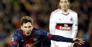 Leo Messi celebra su segundo gol al Milan.   EFE
