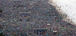 Vista general de la playa de Copacabana, durante la misa de clausura de la JMJ. | Cordon Press