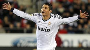 Ronaldo celebra un tanto logrado este año con el Real Madrid.   EFE