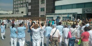 Trabajadores de La Paz, en la manifestación de este jueves | @AnaLP7