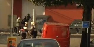 Momento en que los agentes detienen a izaskun lesaka en Macon | Imagen TV