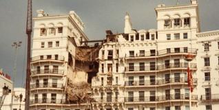 Fachada del hotel de Brigton tras el atentado del Ira.