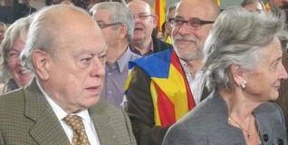 Jordi Pujol y su esposa Marta Ferrusola, en un acto de CiU. | Archivo.