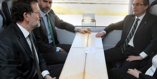 Rajoy, con Mas y el Príncipe, en la inauguración del AVE