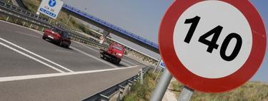 Montaje fotográfico de la entrada a una autopista de peaje en las carreteras españolas