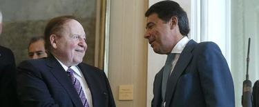 Adelson e Ignacio González | EFE