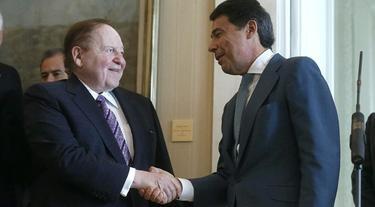 Adelson e Ignacio González tras su última reunión | Archivo
