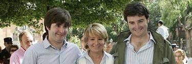 Aguirre, junto a sus dos hijos